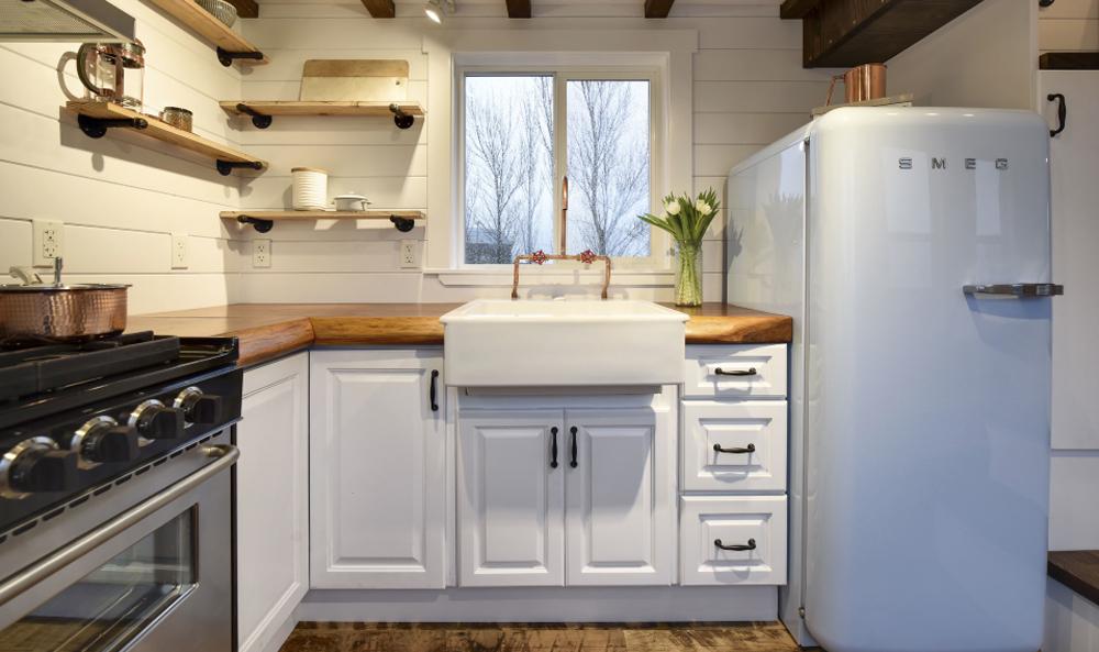Farmhouse Sink - Custom Tiny #4 by Mint Tiny Homes