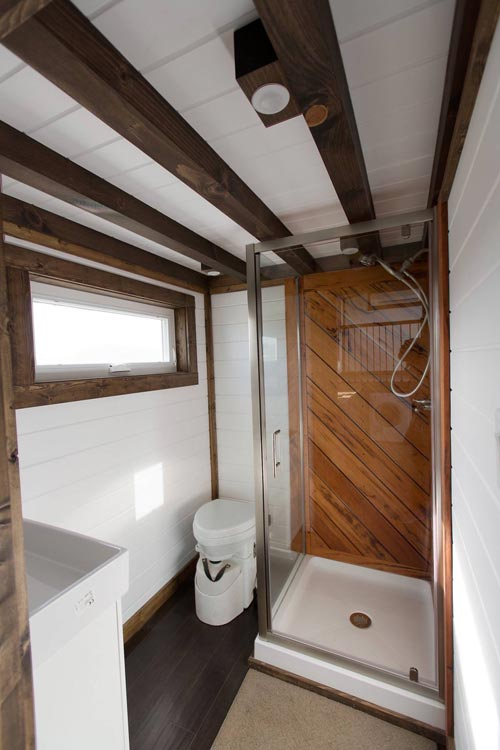 Tiger Wood Shower - Lookout v2 by Tiny House Chattanooga