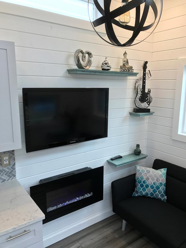 Electric Fireplace & TV - Montauk by Tiny Hamptons