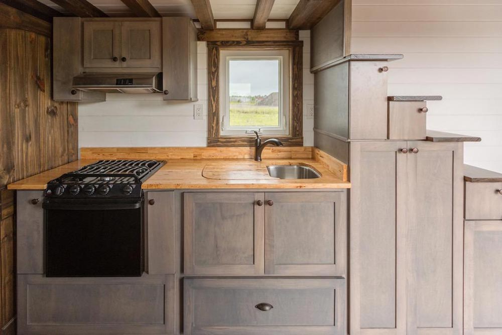 Cabinet Details - Outlander by Tiny House Chattanooga