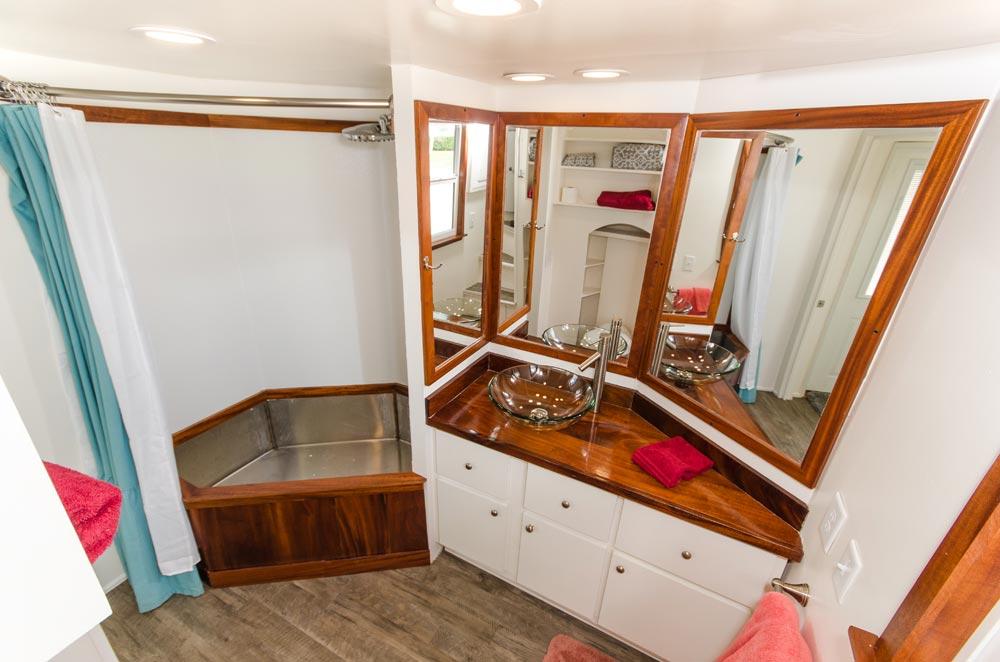 Bathroom - Amy at Tiny Siesta