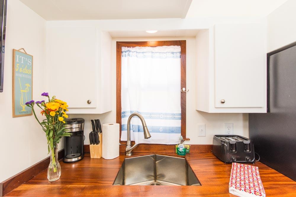 Kitchen Sink - Amy at Tiny Siesta