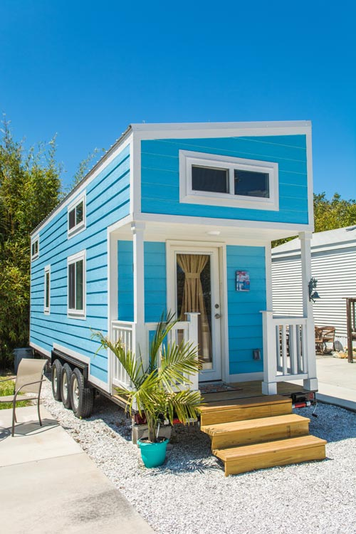 Tiny House Rental - Blue Oasis at Tiny Siesta