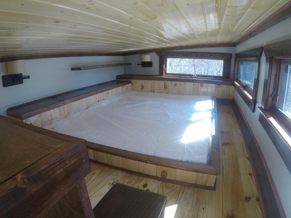 Sunken Queen Bed - Blue Ridge by Aneides Tiny Homes