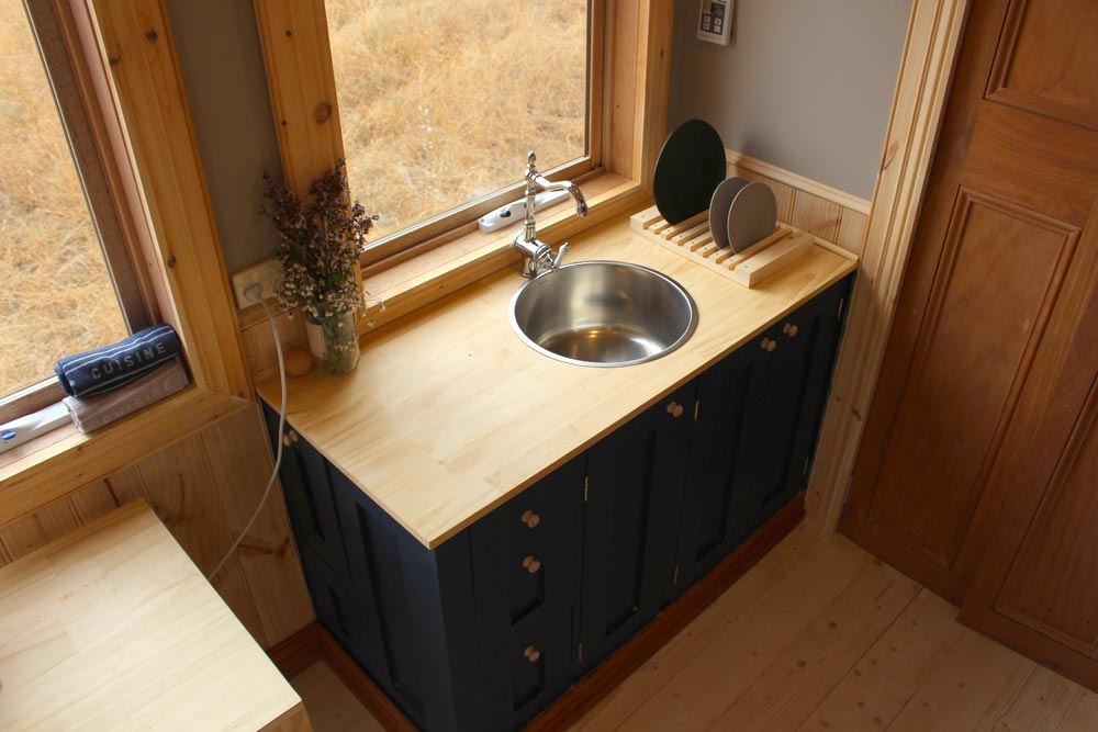 Kitchen Sink - Colonial Blue by Wagonhaus