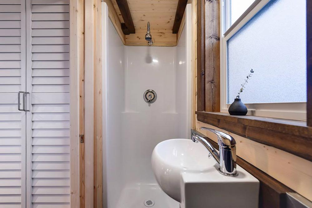 Shower - Custom Napa by Mint Tiny Homes