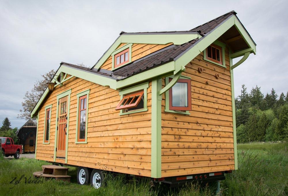 Craftsman Style Tiny House - Fuchsia by Zyl Vardos