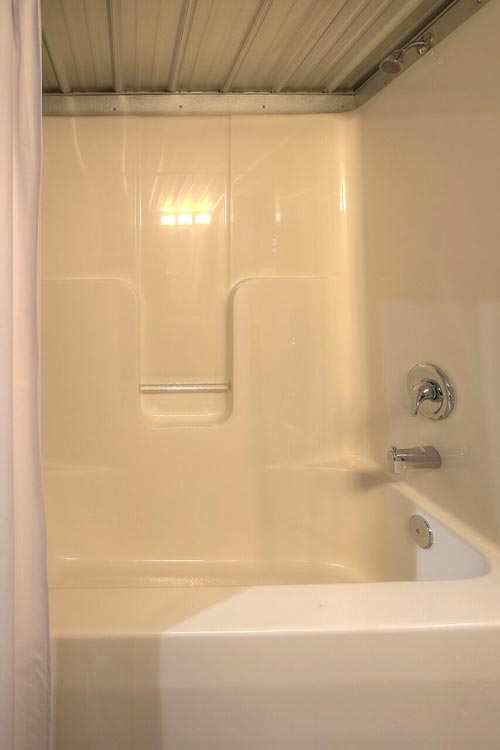 Full Size Bathtub - Modern Empty Nester by Custom Container Living