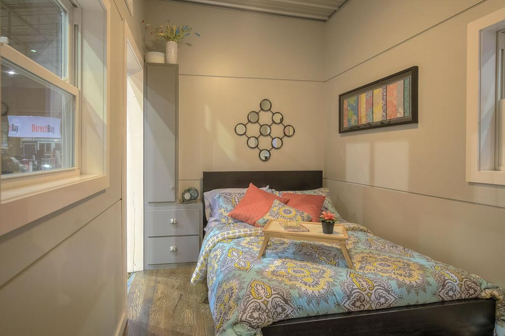 Main Floor Bedroom - Modern Empty Nester by Custom Container Living