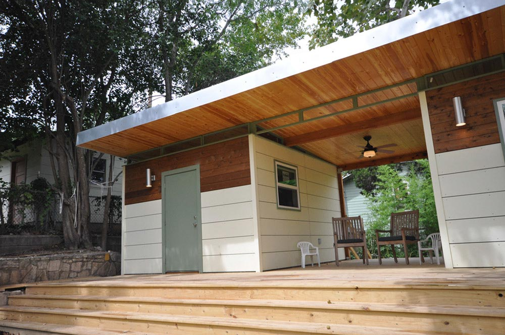 Cedar Accents - Modern Studio + Shed by Kanga Room Systems