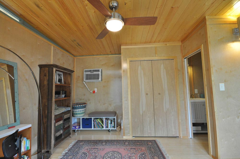 Storage Space - Modern Studio + Shed by Kanga Room Systems