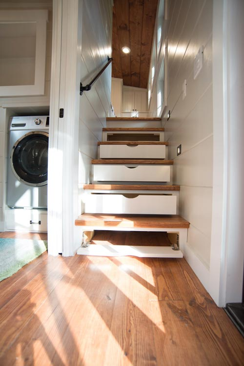 Stairs - Retreat by Timbercraft Tiny Homes