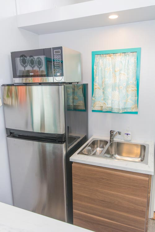 Refrigerator & Sink - Sand Dollar at Tiny Siesta