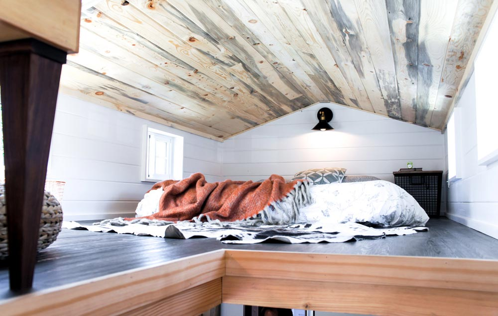 King Size Bedroom Loft - Kootenay Country by TruForm Tiny