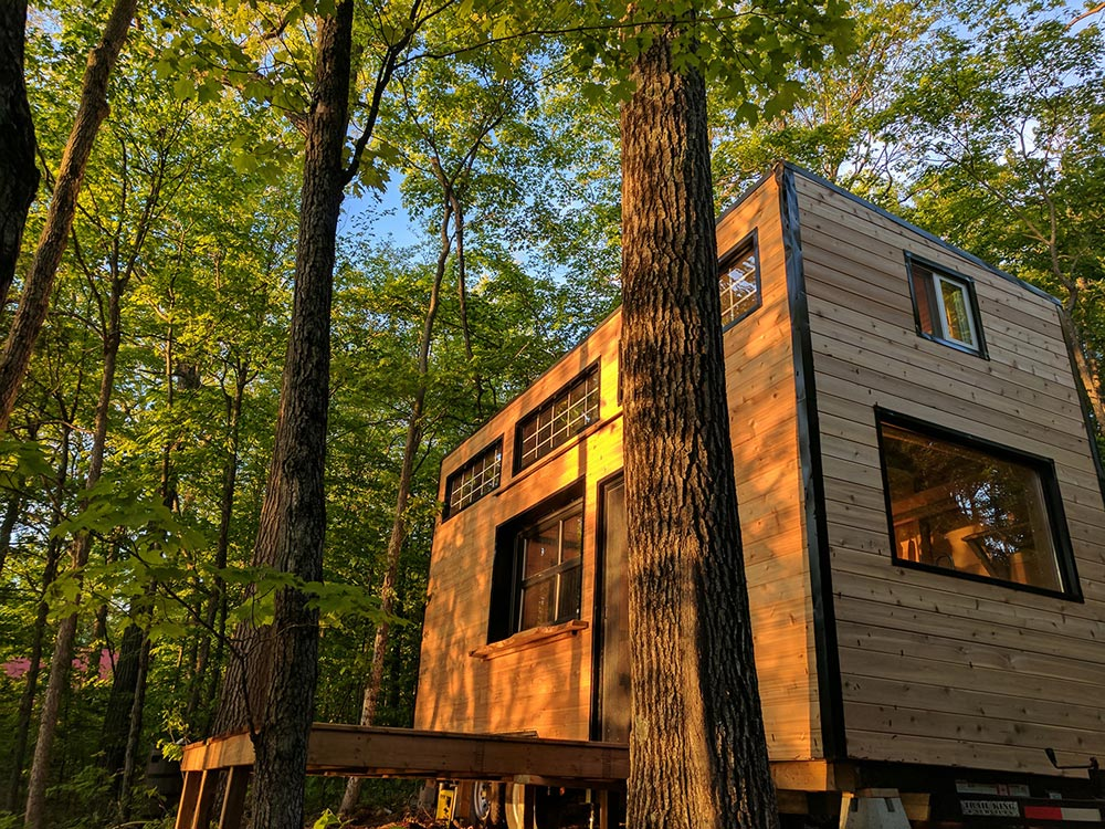 West Facing House - Auburn by Cabinscape