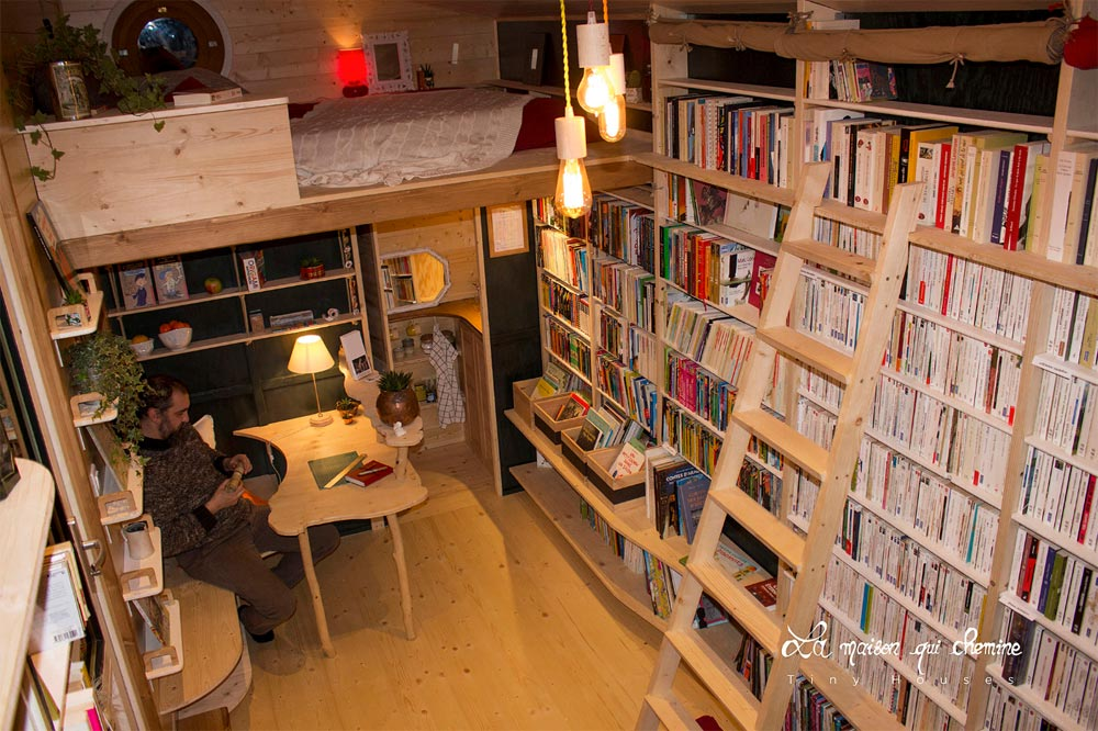Interior View - Bookshop by La Maison Qui Chemine