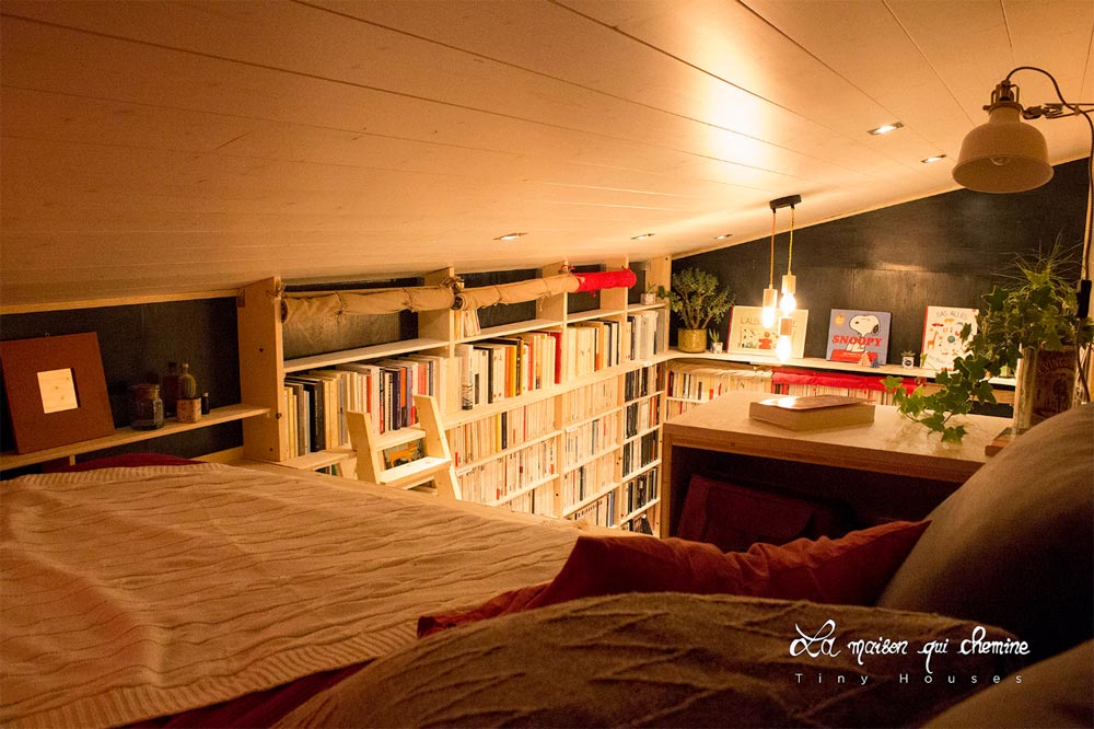 Bedroom Loft - Bookshop by La Maison Qui Chemine