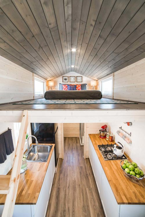 Bunkhouse By Uncharted Tiny Homes Tiny Living