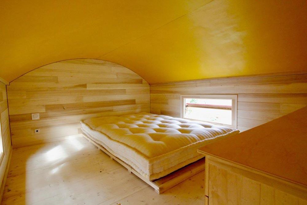 Bedroom Loft - Cahute XL Tiny HouseNatural Wood Siding - Cahute XL Tiny House