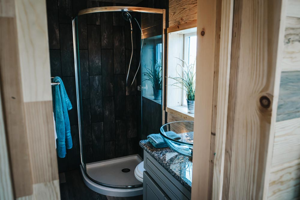 Corner Shower - Four Eagle by The Tiny Home Co.