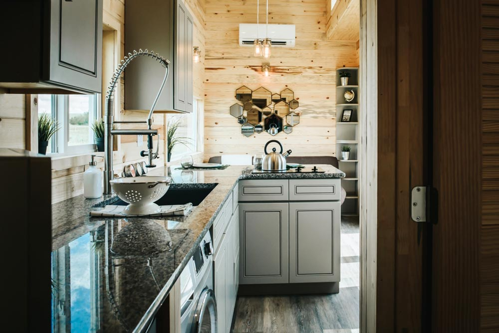 Granite Counters - Four Eagle by The Tiny Home Co.
