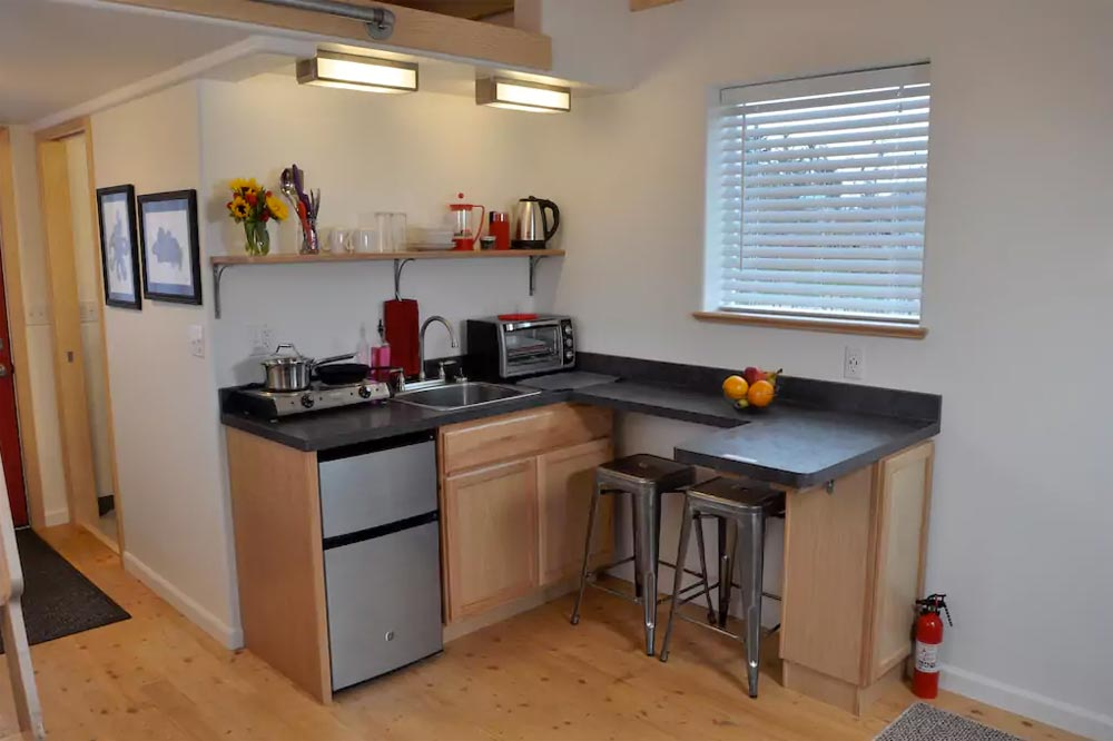 Kitchenette - Homer's Downtown Tiny House