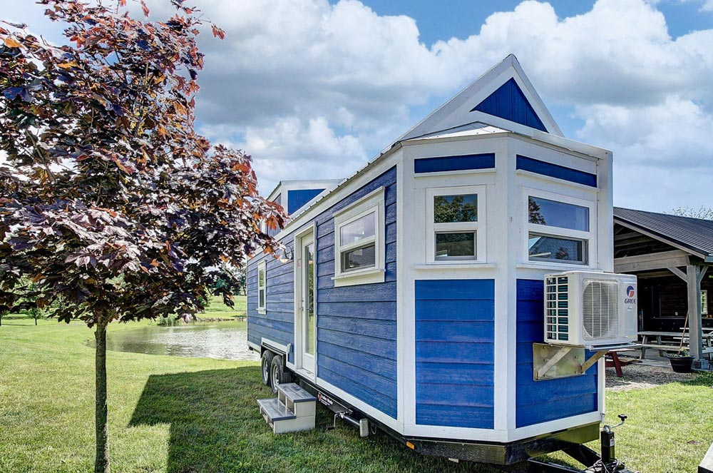 24' Tiny House - Kokosing by Modern Tiny Living