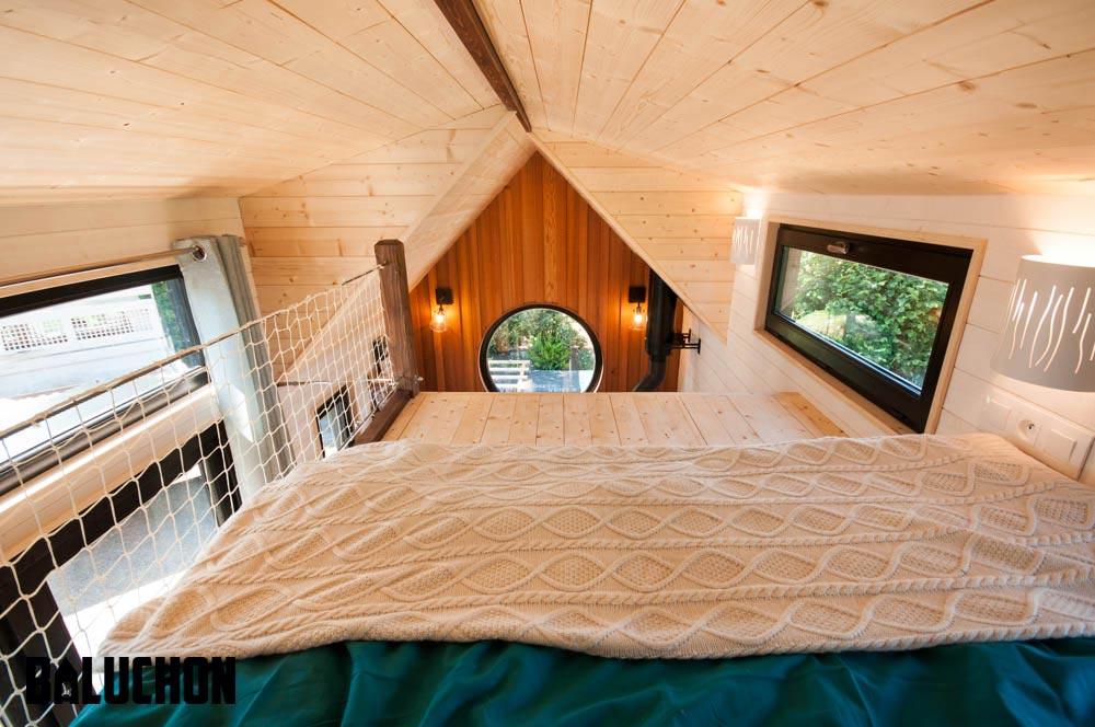 View From Loft - Ostara by Baluchon