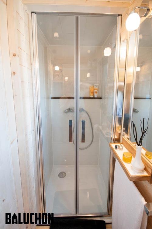 Shower Stall - Ostara by Baluchon
