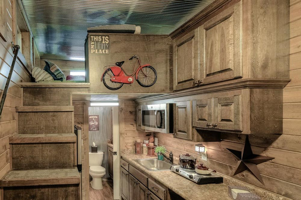 Kitchen & Loft - Weekender by Custom Container Living