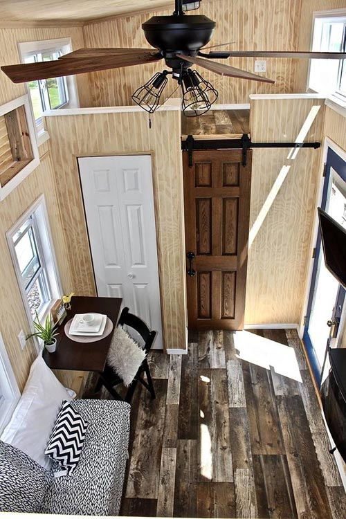 Linoleum Wood Grain Flooring - Chalet Shack by Mini Mansions