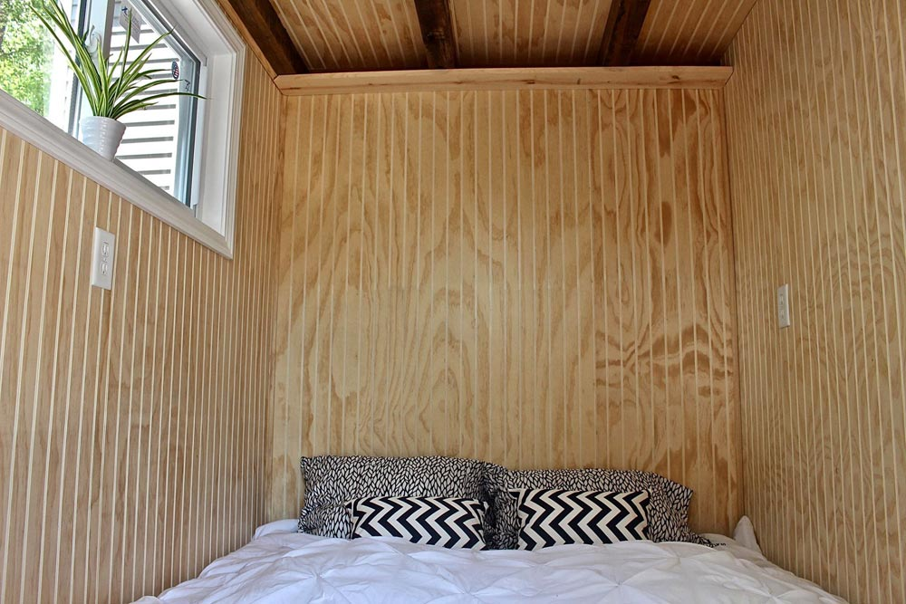 Main Floor Bedroom - Chalet Shack by Mini Mansions