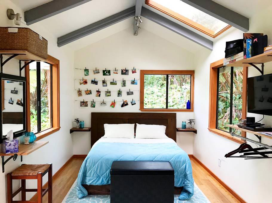 Main Floor Bedroom - Hale Iki Tiny House