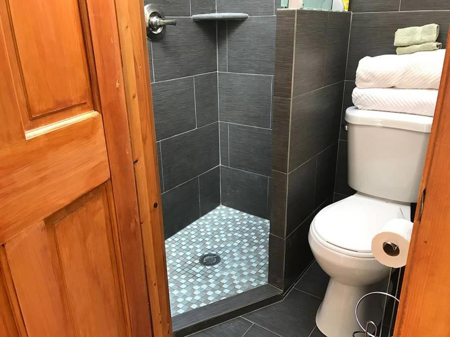 Slate Tile Bathroom - Hale Iki Tiny House