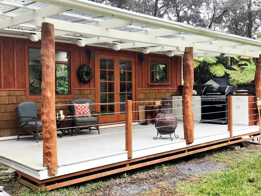 Spacious Lanai - Hale Iki Tiny House