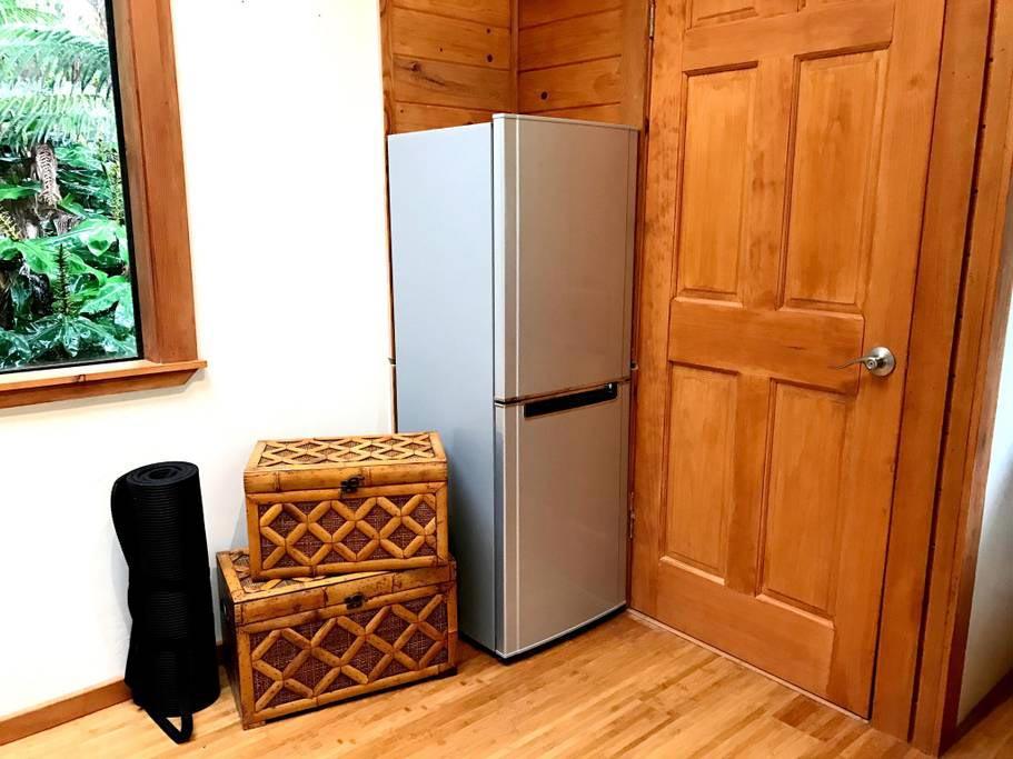 Solar Powered Refrigerator - Hale Iki Tiny House