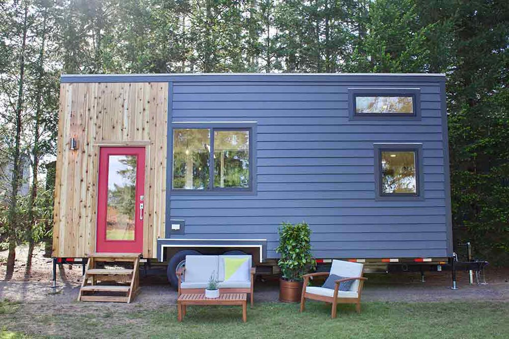 Modern Exterior - Tiny Home and Garden by Tiny Heirloom