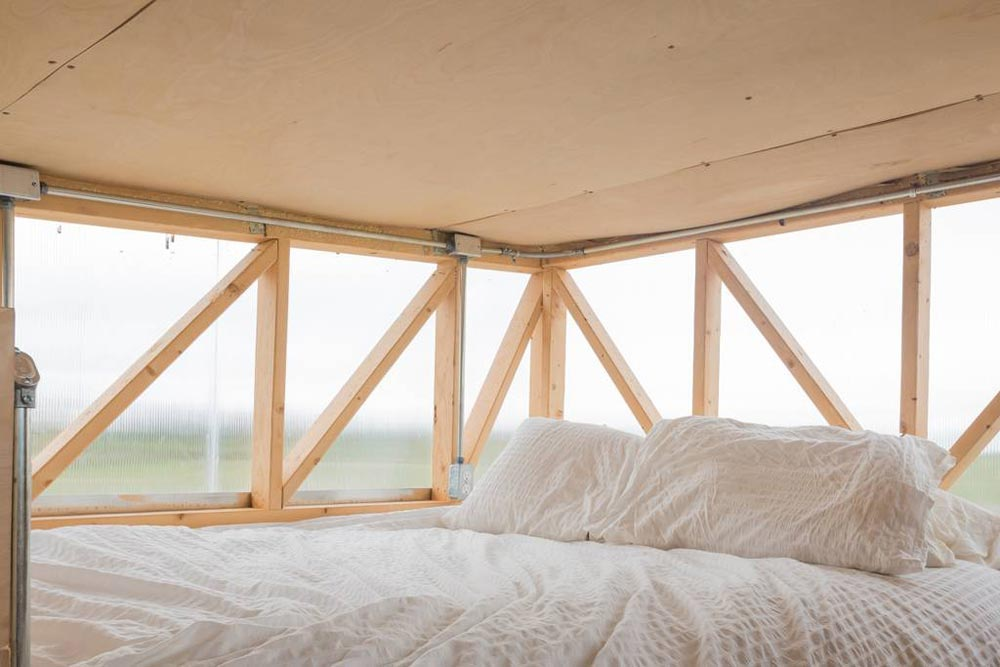 Natural Light - Kinetohaus Tiny House