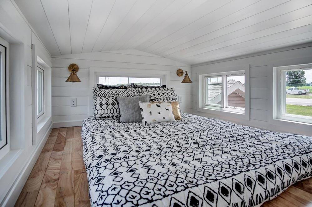 Bedroom Loft - Kokosing 2 by Modern Tiny Living