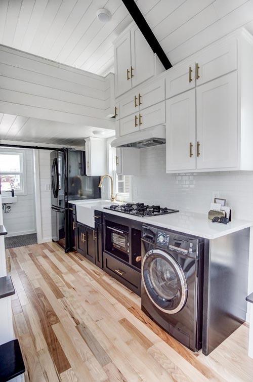 Upper Kitchen Cabinets - Kokosing 2 by Modern Tiny Living