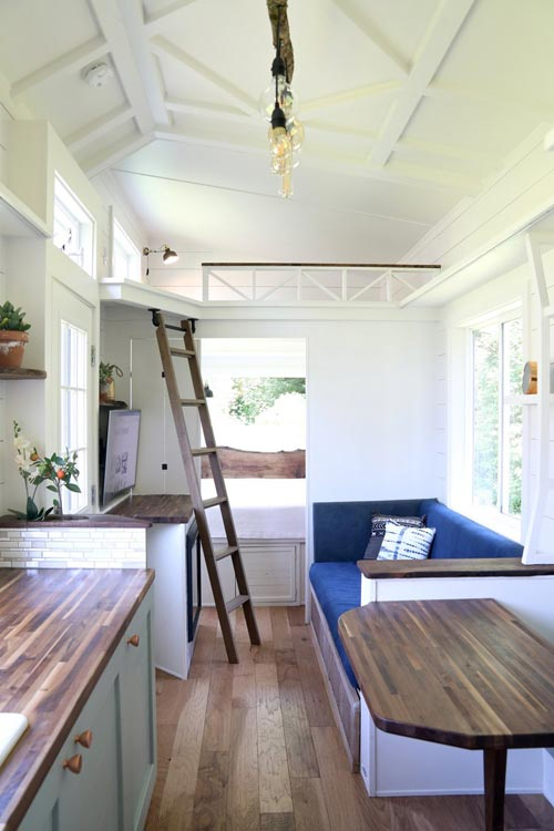 Getaway Tiny House >> Pacific Pioneer by Handcrafted Movement - Tiny Living