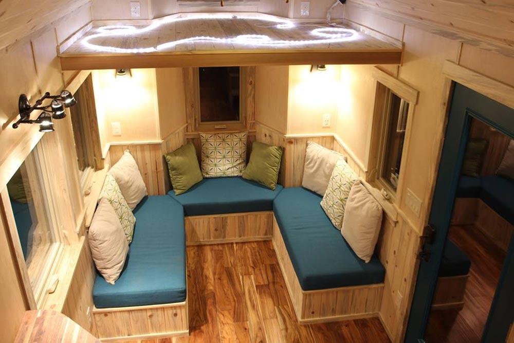 U-Shaped Living Room - Tahosa by SimBLISSity