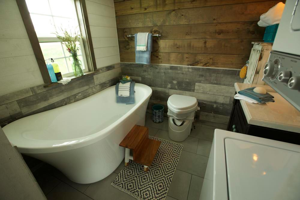 Soaking Tub - Big Country by VIVA Collectiv