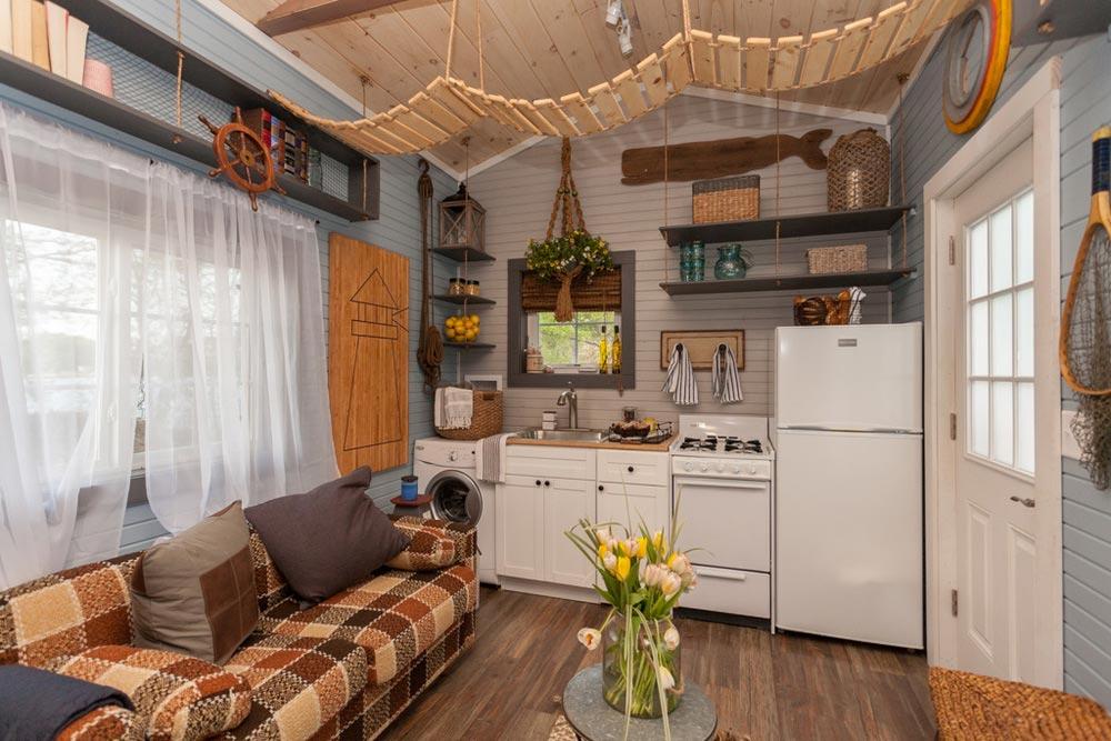 Kitchen - Cape Cod by VIVA Collectiv