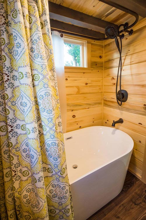 Soaking Tub - Curtis & April's Tiny House by Mitchcraft Tiny Homes