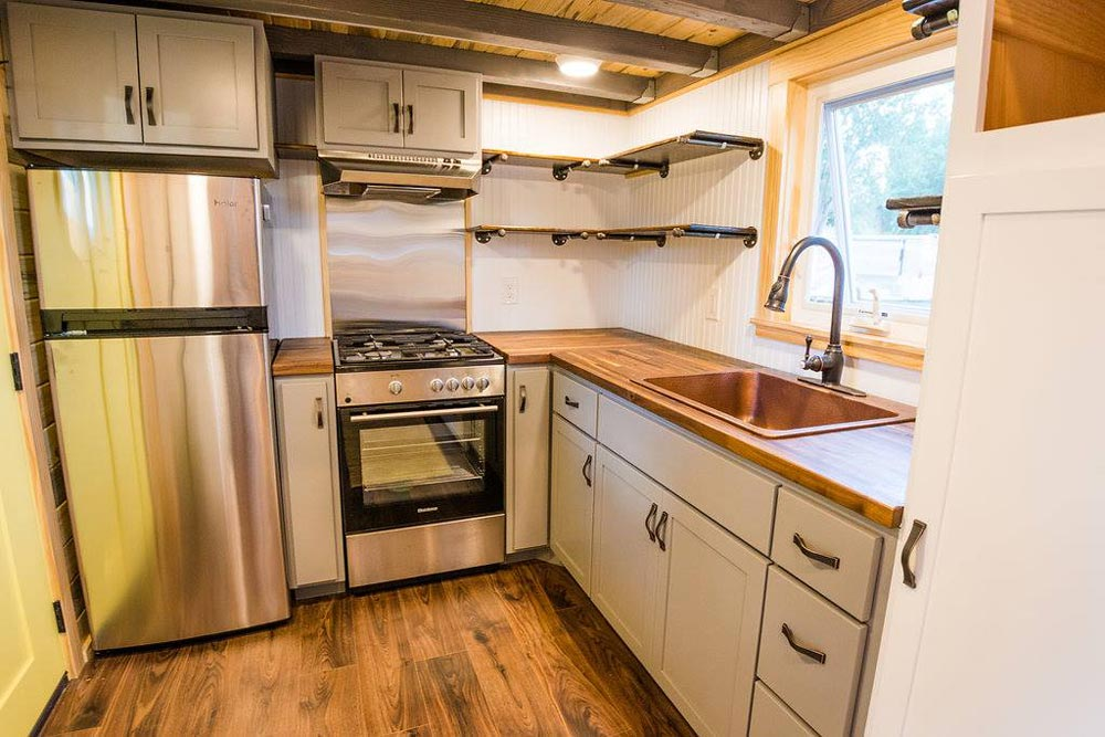 Tiny Home Designs: Curtis & April's Tiny House By Mitchcraft Tiny Homes