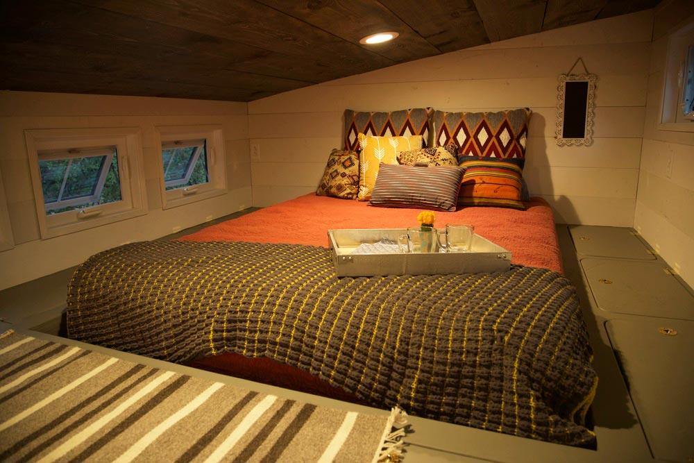 Bedroom Loft - Funk by VIVA Collectiv