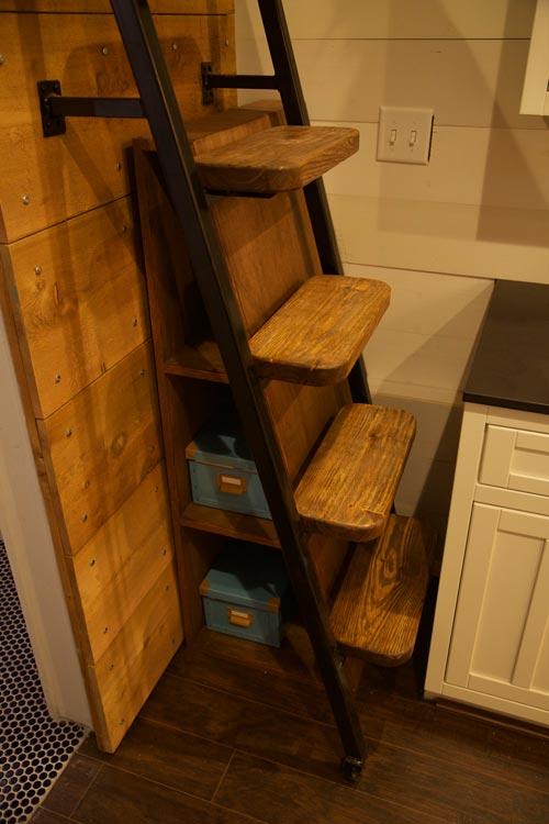 Loft Ladder - Funk by VIVA Collectiv