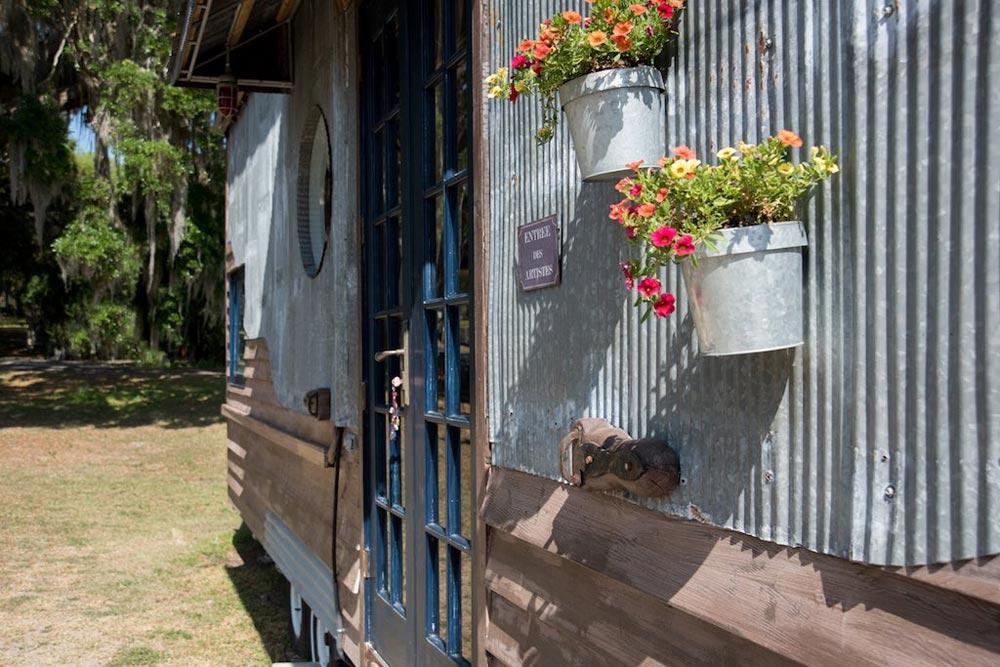 Reclaimed Siding - Gypsy Mermaid Tiny House