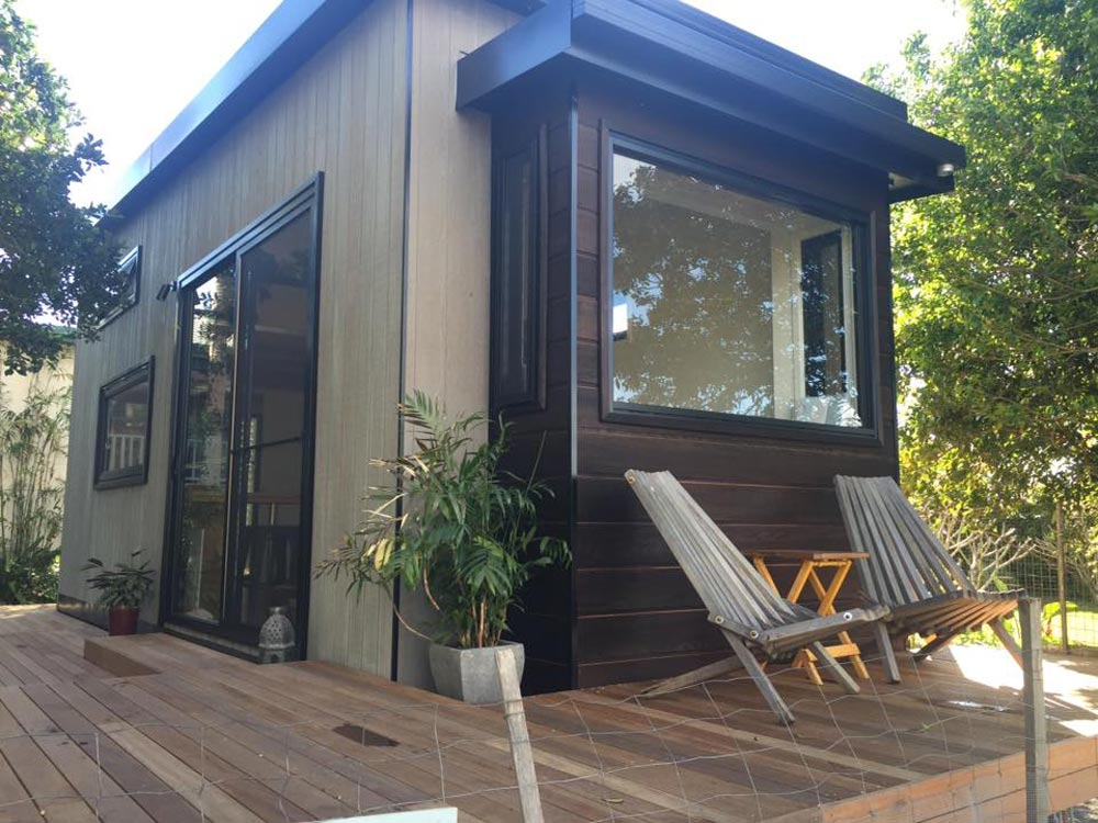 Burnt Cedar Pop-Out - Australian Zen Tiny Home